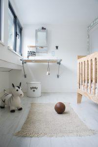 zelf maken commode ledikant babykamer