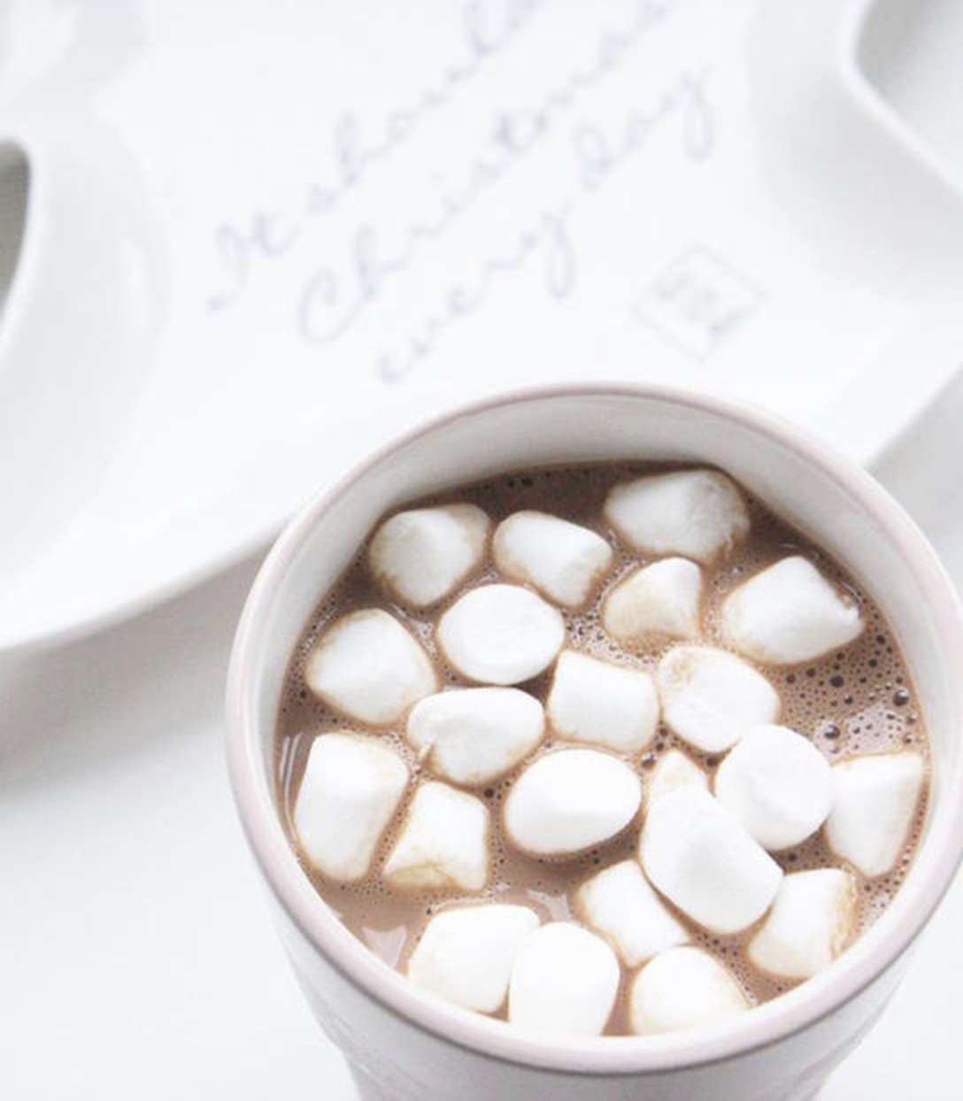 warme chocolademelk met mini marshmallows