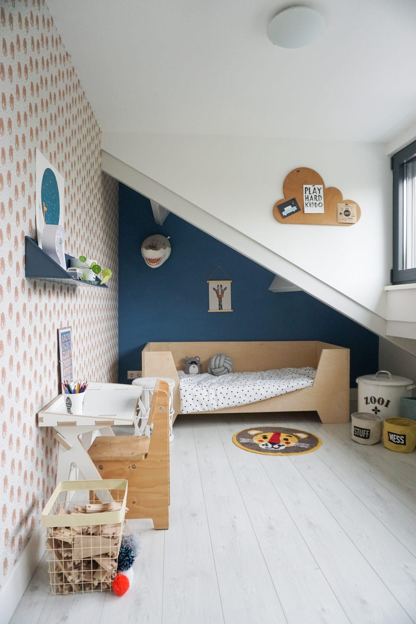 binnenkijken jongenskamer peuterbed interieurtrend kleurtrend kinderkamer babykamer 2019