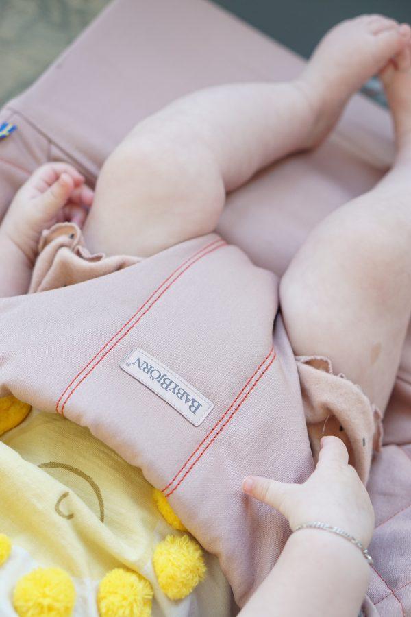 wipstoel babybjorn bliss roze zitting