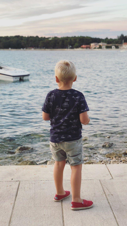 kindermode kinderkleding zomer shirt bootjes lindex jeans korte broel zara