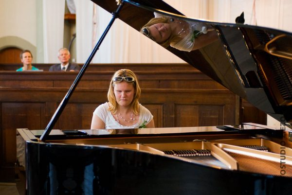 muzikaal intermezzo trouwerijk kerkdienst