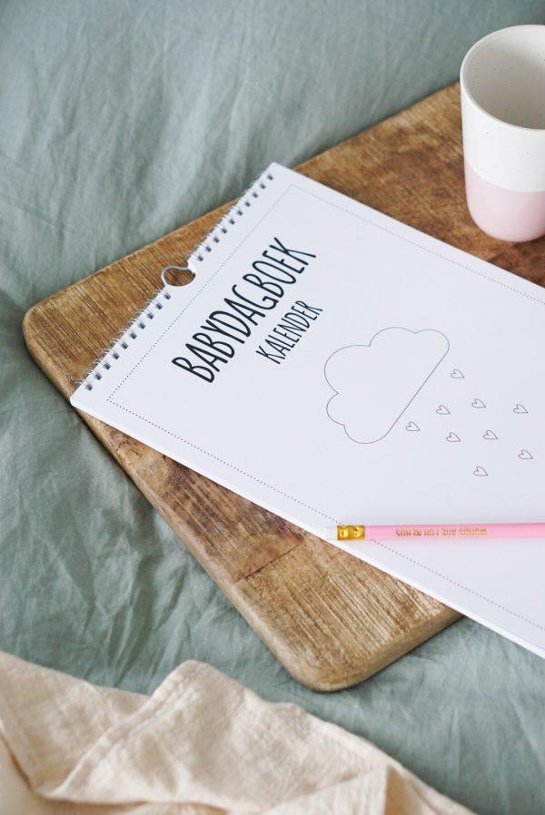 babydagboek kalender herinneringen opschrijven