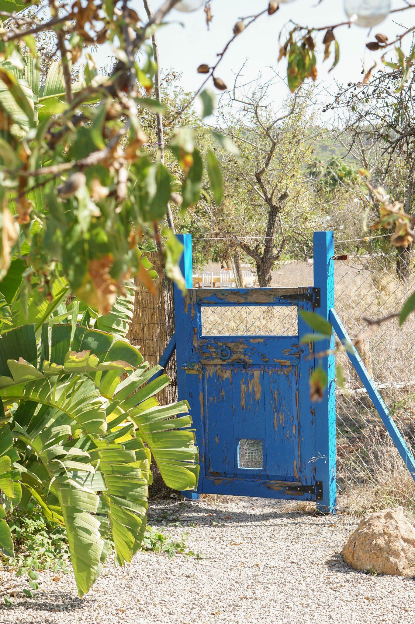 ibiza tuin hek blauw