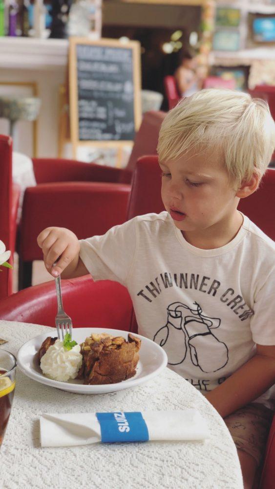 appeltaart eten bij sluiz ibiza woonwinkel lunch