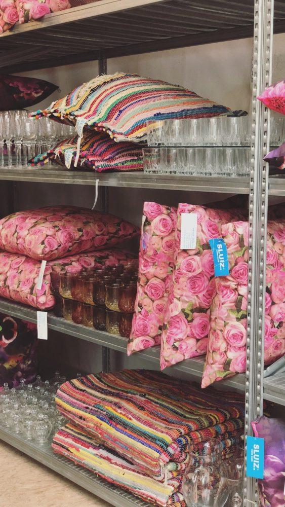 roze kussens rozenprint sluiz ibiza