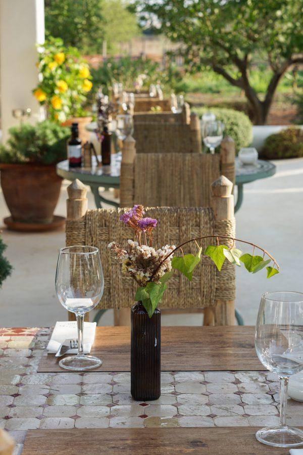 gedekte tafel aubergine ibiza