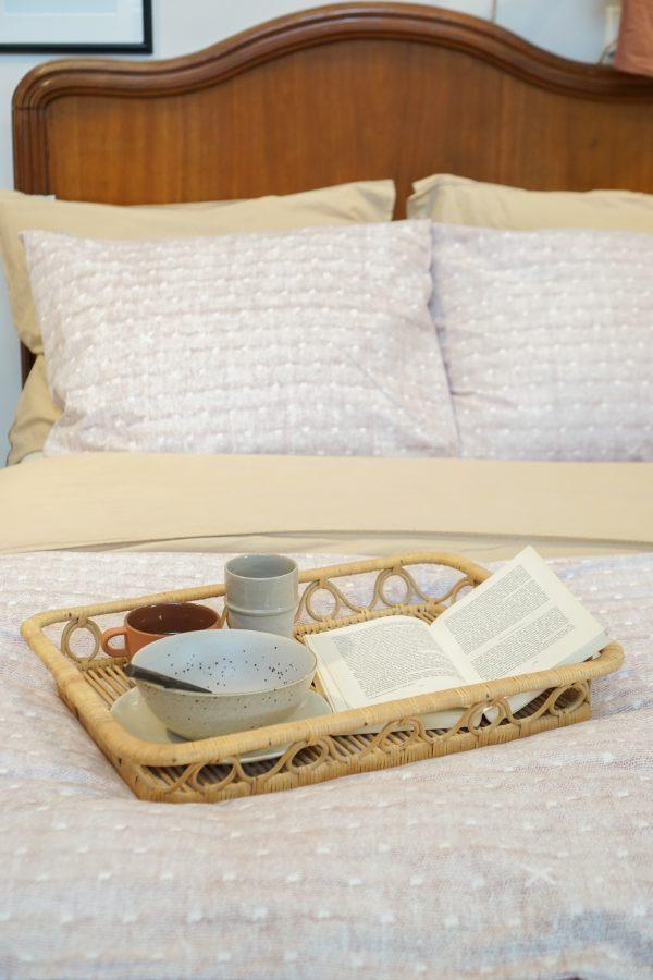 lezen op bed ariadne at home