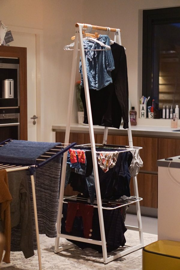 wasrek vol kleding