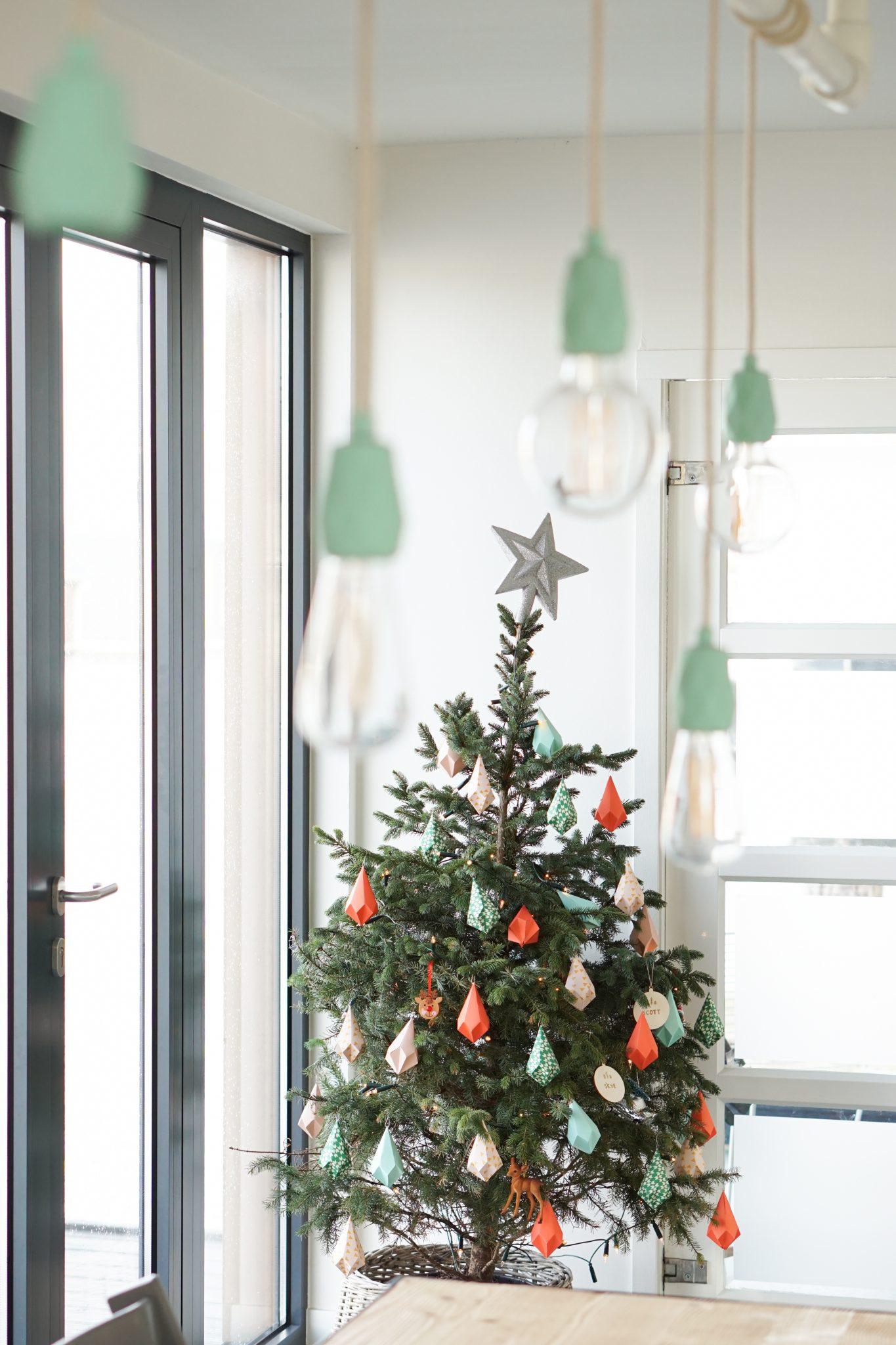 kerstboom papieren hangers