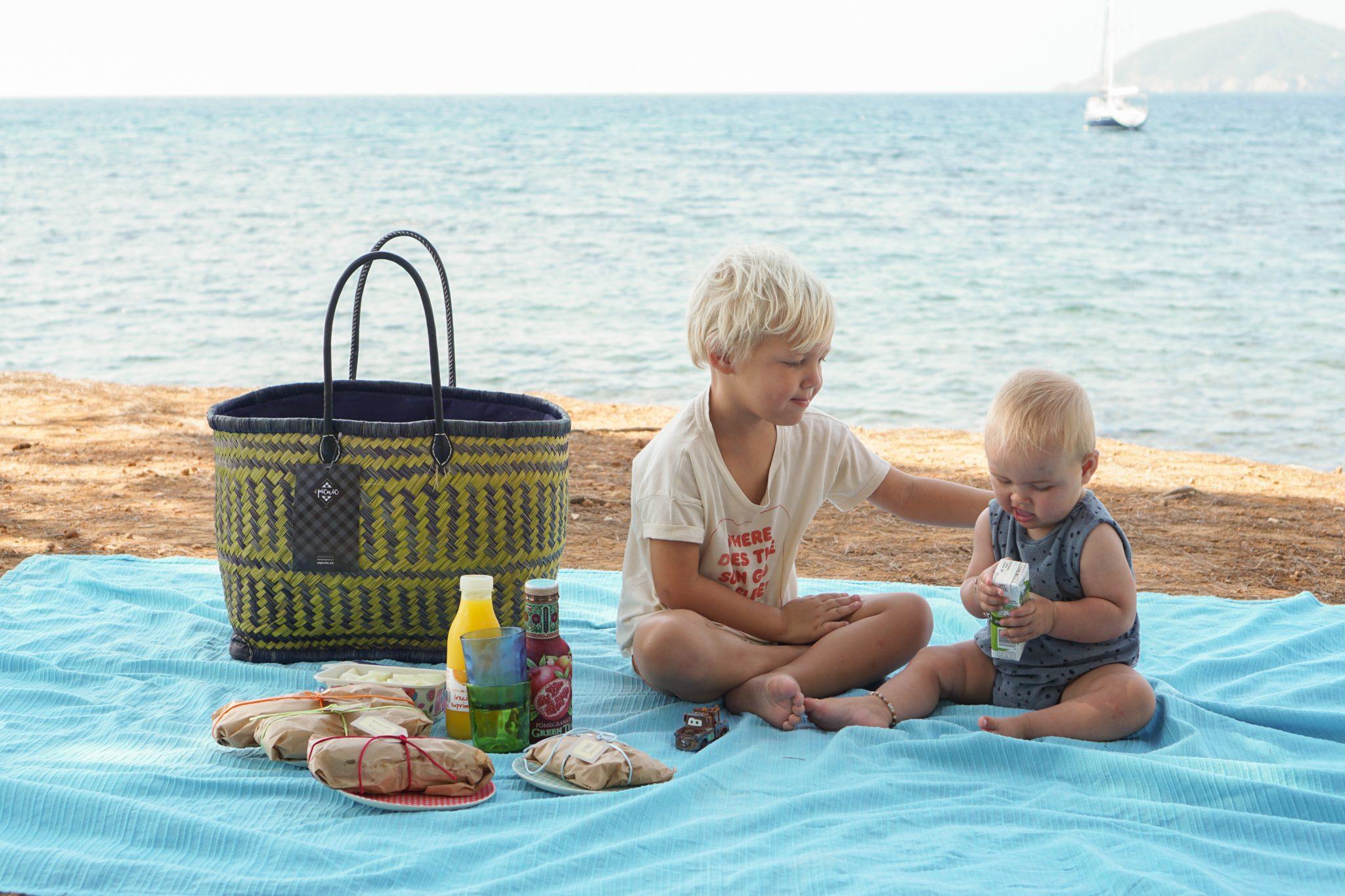 Anders uiteten op Ibiza: ga picknicken of bestel een salade!