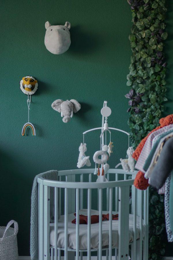 babykamer groene wand