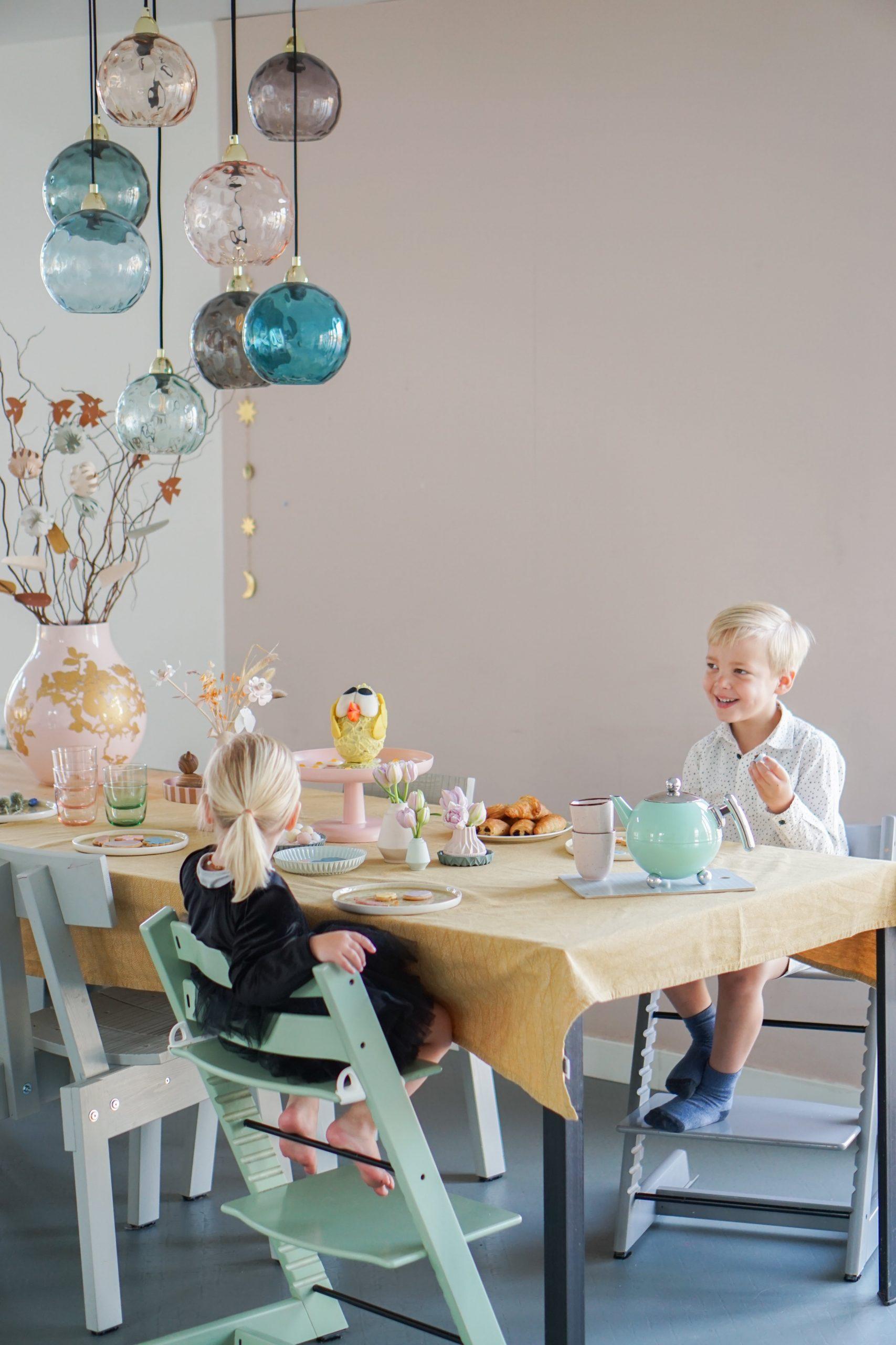 Zo maak je een feestelijke kidsproof tafel voor de Paasbrunch!