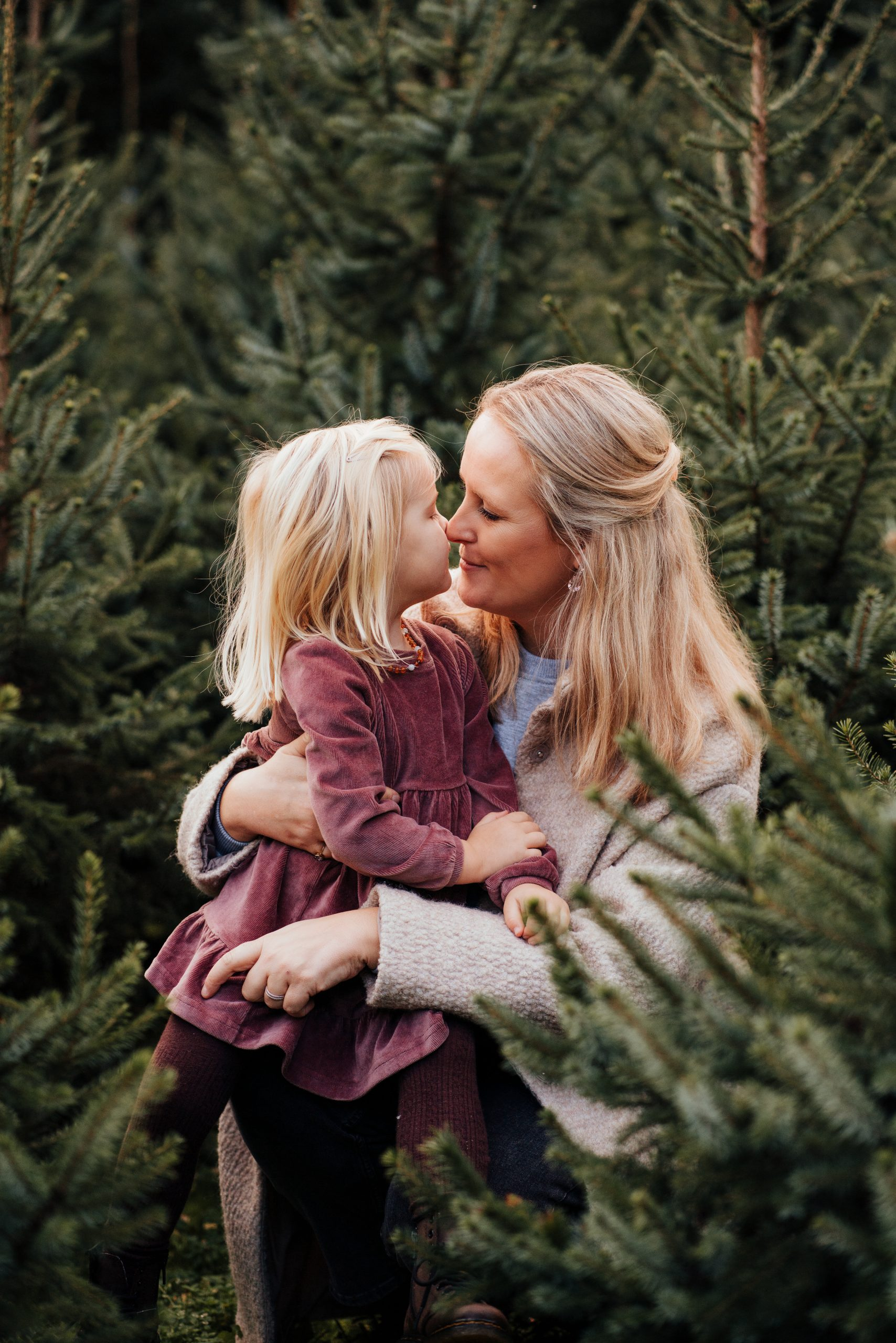 kerstbomen fotoshoot moeder dochter