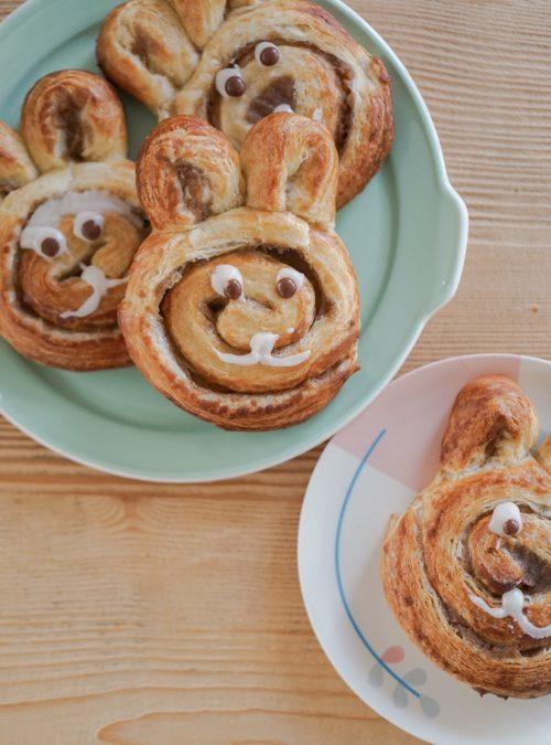 Makkelijk recept voor Pasen: paashaasjes van cinnamon rolls!