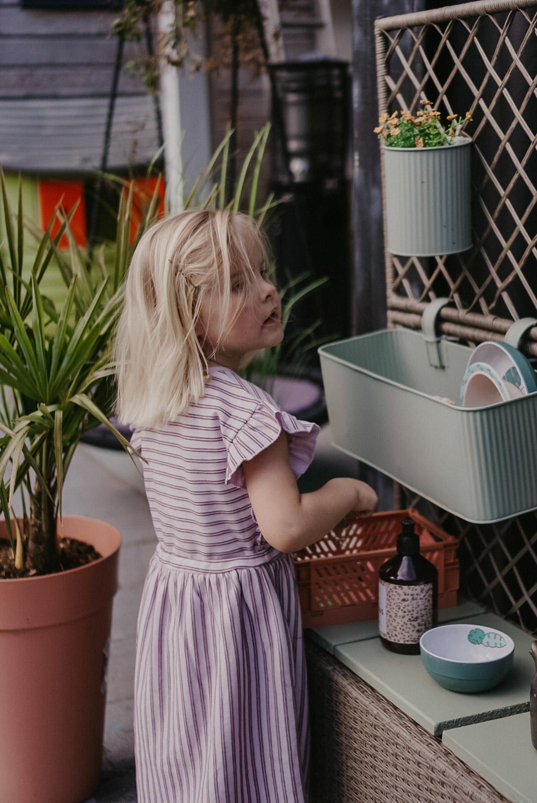 makkelijke diy zelf maker buitenspeelkeuken